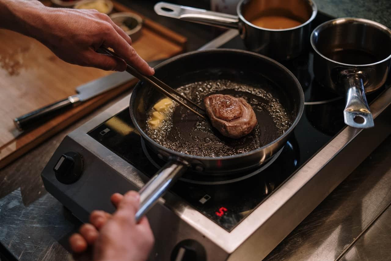 Best Pan to Cook Steak