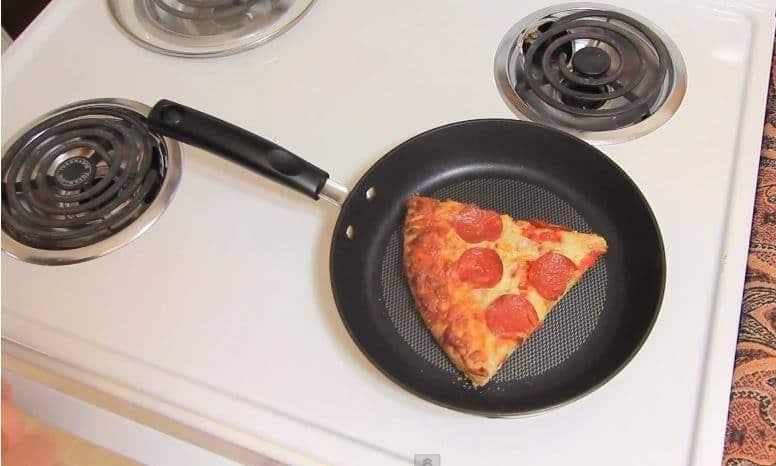 best way to heat up pizza