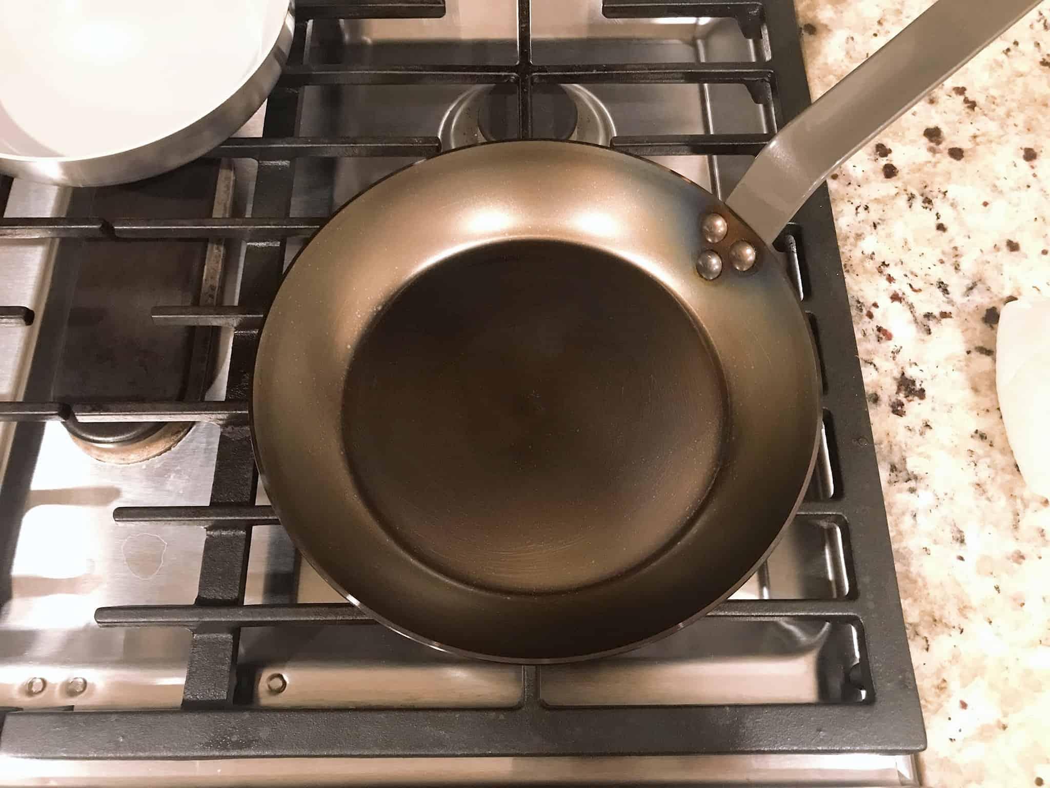 carbon steel pan seasoning