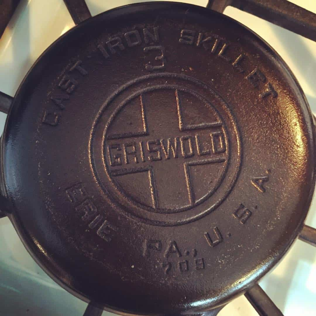 how to tell how old a cast iron skillet is