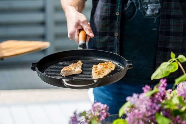 9 Tips to Use a Cast Iron Grill Pan