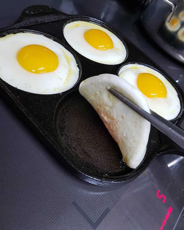 pan for egg