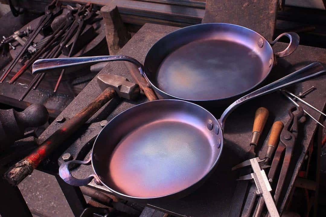 carbon steel vs cast iron