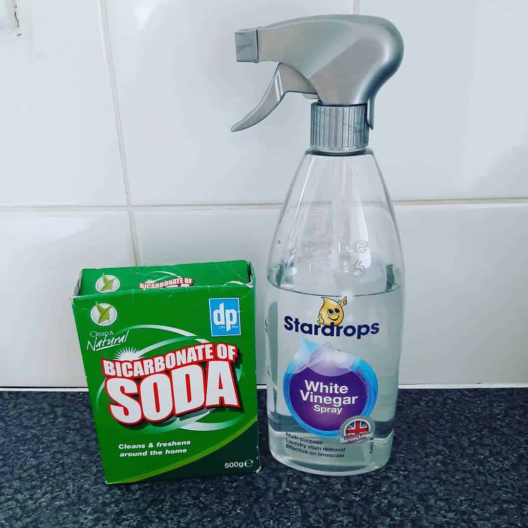 how to Clean Baking Sheets Baking Soda and Vinegar