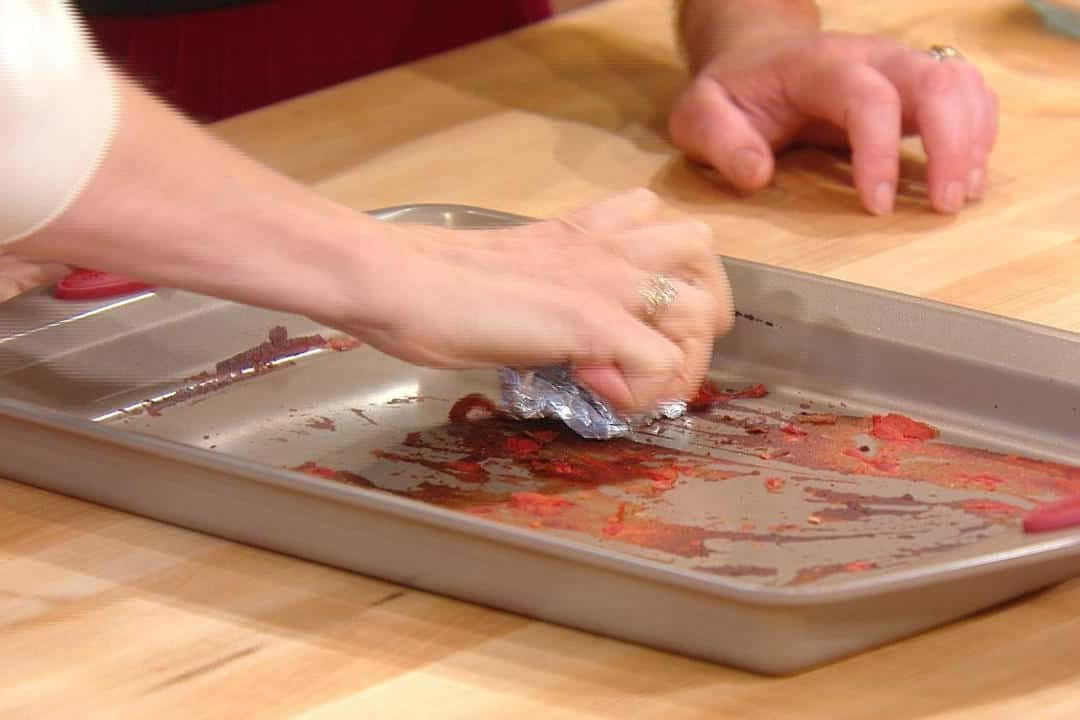 how to Clean Baking Sheets Lemon Juice and Aluminum Foil