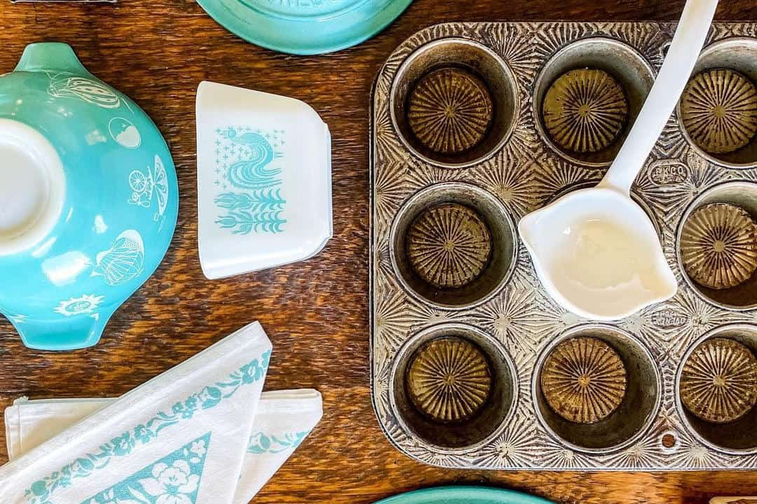 How To Use And Maintain A Muffin Pan