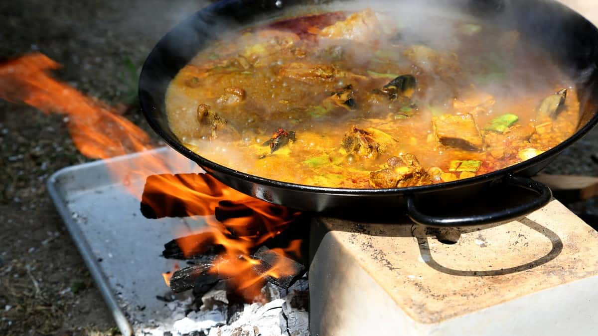 What To Consider When Buying Paella Pans