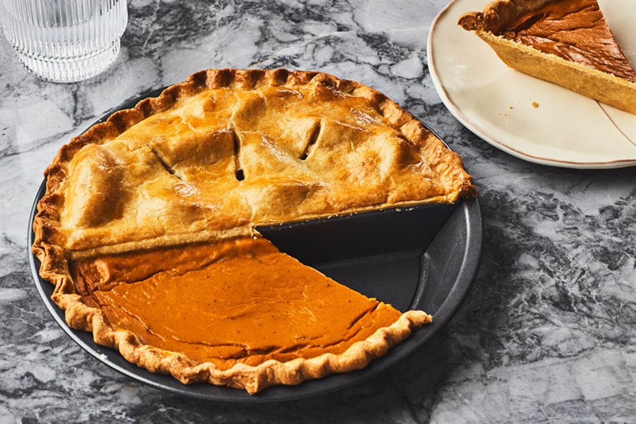 can you make a pie in a cake pan