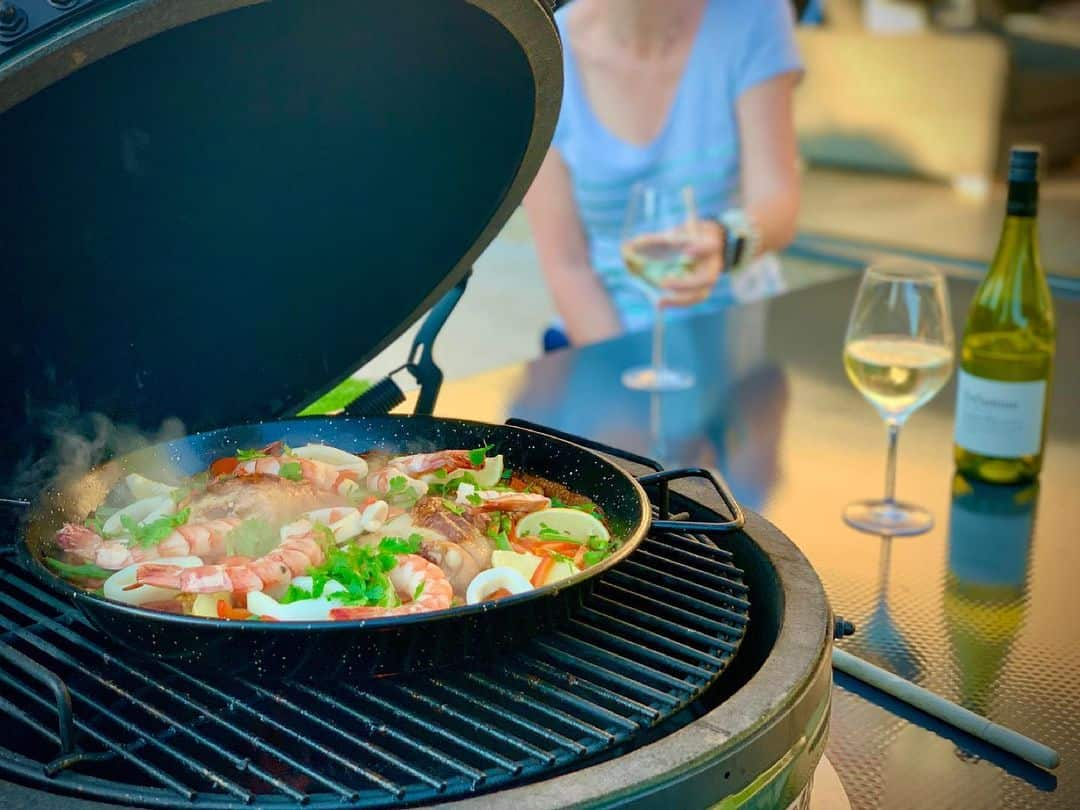 how to use a paella pan